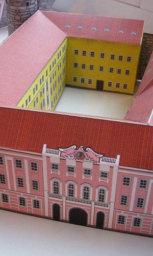 Valmis volditud Toompea loss eestvaates