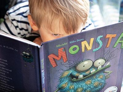 Heatahtliku kollikese Monsta raamat toetab nägemispuudega lapsi
